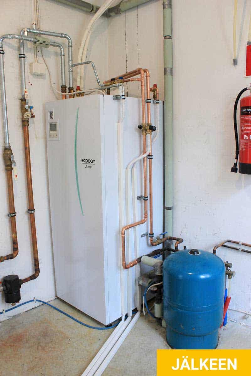 Hesatek Oy ilma-vesilämpöpumppujärjestelmä asennettuna
